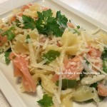Insalata di pasta con salmone, rucola e parmigiano