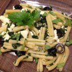 Caserecce con rucola e olive nere