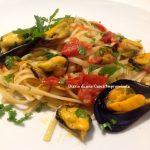 Linguine risottate con cozze e fiori di zucca